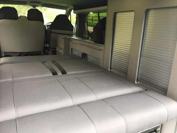 Vivaro camper rock & roll bed