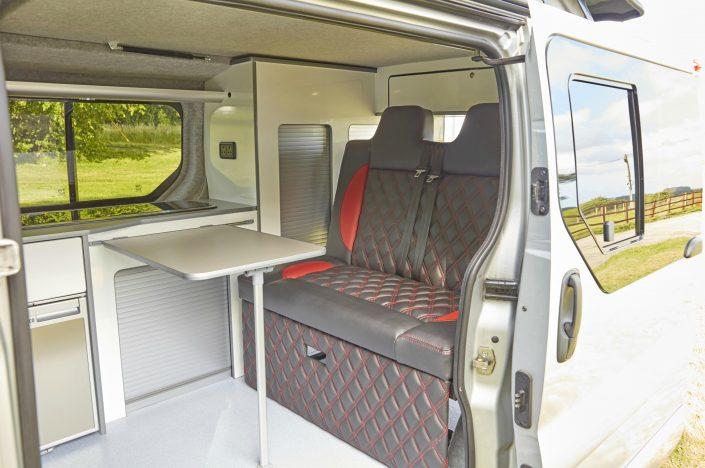 Camper Conversions Trafic - Picture 10
