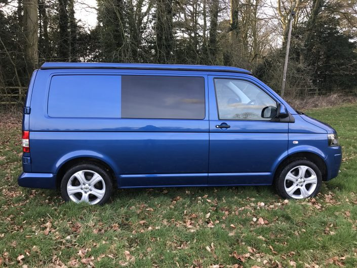 Elevated pop top roof VW T5 Transporter